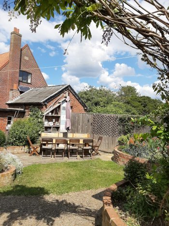 Coastguard Cottage Wells Garden 1